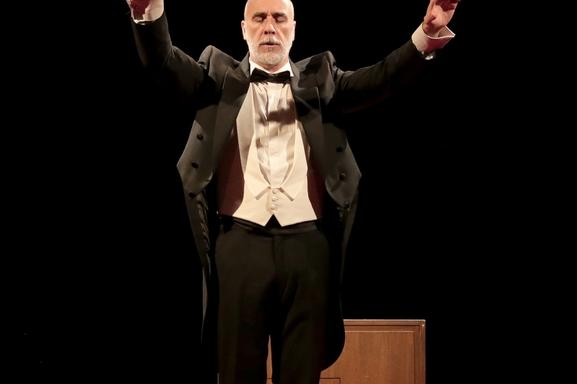 Rendez-vous au théâtre de la Contrescarpe pour assister à la remarquable pièce Fausse Note. Casting.fr vous invite !