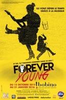 Les membres de la troupe Forever Young vous accueillent au théâtre Bobino