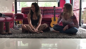 Crowded House - Don't dream It's over Cecilia Lorenz & Shannon Areias cover