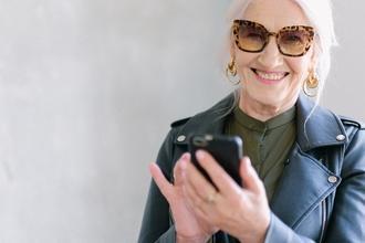 Casting femme entre 65 et 79 ans pour figuration dans publicité