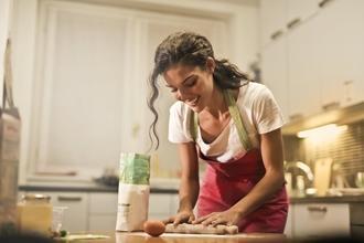 Casting femme tout profil pour être chroniqueuse culinaire sur Youtube