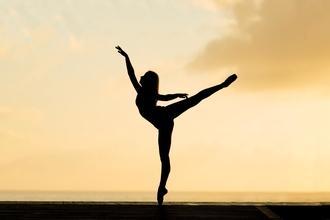 Recherche danseurs et danseuses pour grand cabaret