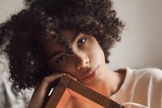 Recherche modèle métisse entre 20 et 30 ans pour publicité beauté