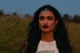 Recherche femme d'origine indienne entre 25 et 35 ans pour shooting photo