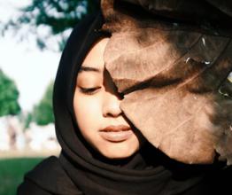 Recherche femme portant voile ou turban pour publicité diversité et tolérance