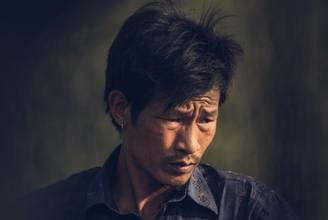 Recherche homme d'origine asiatique entre 45 et 50 ans pour shooting photo