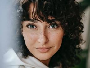 Casting modèle femme entre 18 et 24 ans pour shooting photo sportswear