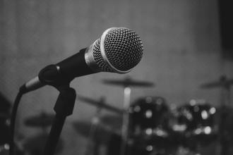 Recherche chanteuse avec bonne expérience tous style