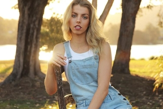 Urgent recherche un mannequin blonde pour la série Joséphine Ange Gardien
