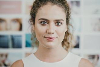 Recherche testeuses produit femme avec cheveux fins et bouclés