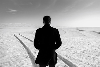 Casting homme entre 40 et 50 ans pour être silhouette dans documentaire historique