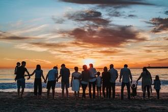 """Recherche pour nouveau programme TF1""""les plus belles vacances"""" hommes, femmes,familles,couples"""
