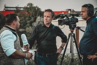 Casting présentateur tv ou chroniqueur tv ou radio pour jouer dans long métrage