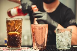 Cherche hôtes et hôtesses pour une soirée cocktails à Santes