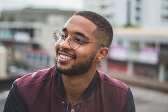 Cherche jeune homme typé Noir 18 à 23 ans pour figuration dans long-métrage