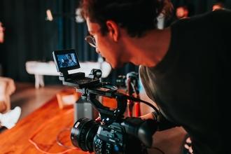 Recherche 2 jeunes comédiens H/F entre 20 et 30 ans pour un court-métrage à Paris