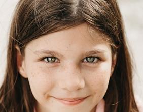 Recherchons jeune fille entre 11 et 13 ans pour marque de prêt-à-porter