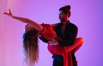 Recherche chorégraphe et danseuses pour tournage clip musical