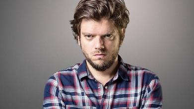 Cherche comédienne pour piéger ses parents avec Greg Guillotin